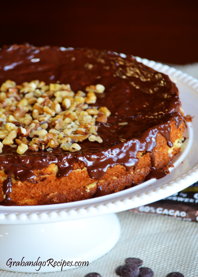Honey Walnut Cake with Dulche de Leche
