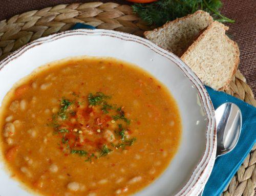 Slow Cooker White Bean Soup Recipe