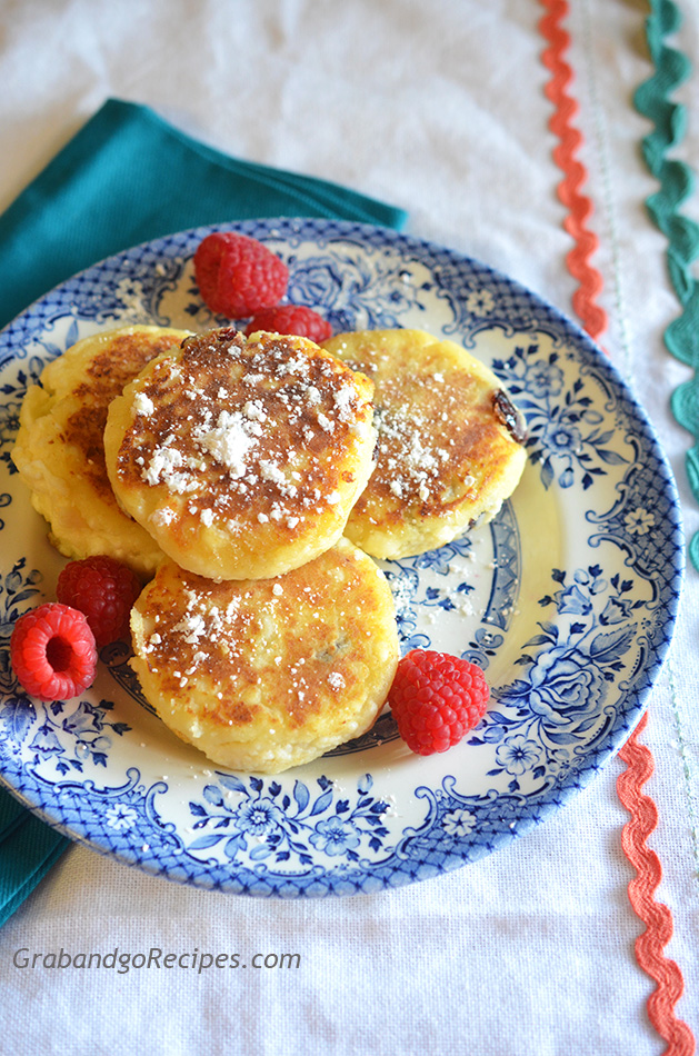 Syrniki – Farmers Cheese Pancakes